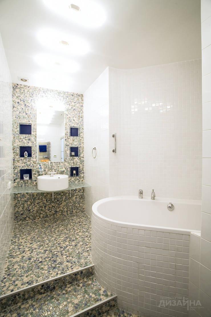 Ванная в современном стиле в ЖК Велтон Парк: Ванные комнаты в . Автор – Технологии дизайна, Модерн