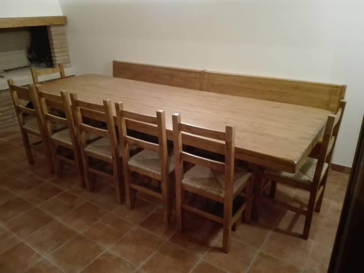 Tavoli in legno su misura di Falegnameria su misura | homify