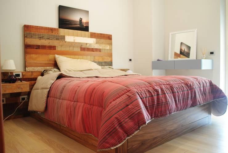 Camera Da Letto Legno Naturale : Arredo camera in legno naturale di falegnameria martinelli sergio