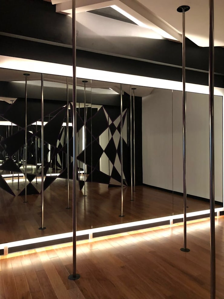 Commercial Spaces by CONTRASTE INTERIOR, Eclectic