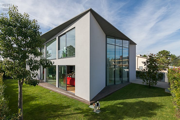 Fotografia de arquitetura - Moradia Unifamiliar: Casas  por ARKHY PHOTO