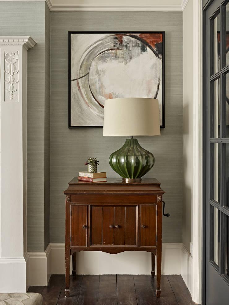 Гостиная в . Автор – Tailored Living Interiors, Эклектичный Дерево Эффект древесины