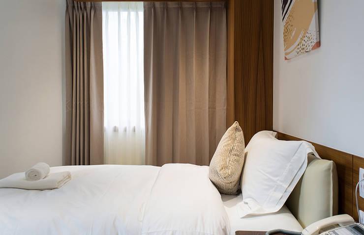 Schlafzimmer von 松泰室內裝修設計工程有限公司