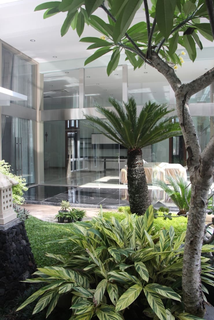Rumah Tinggal Mewah di Semarang:  Taman by Paulus Adi Budianto