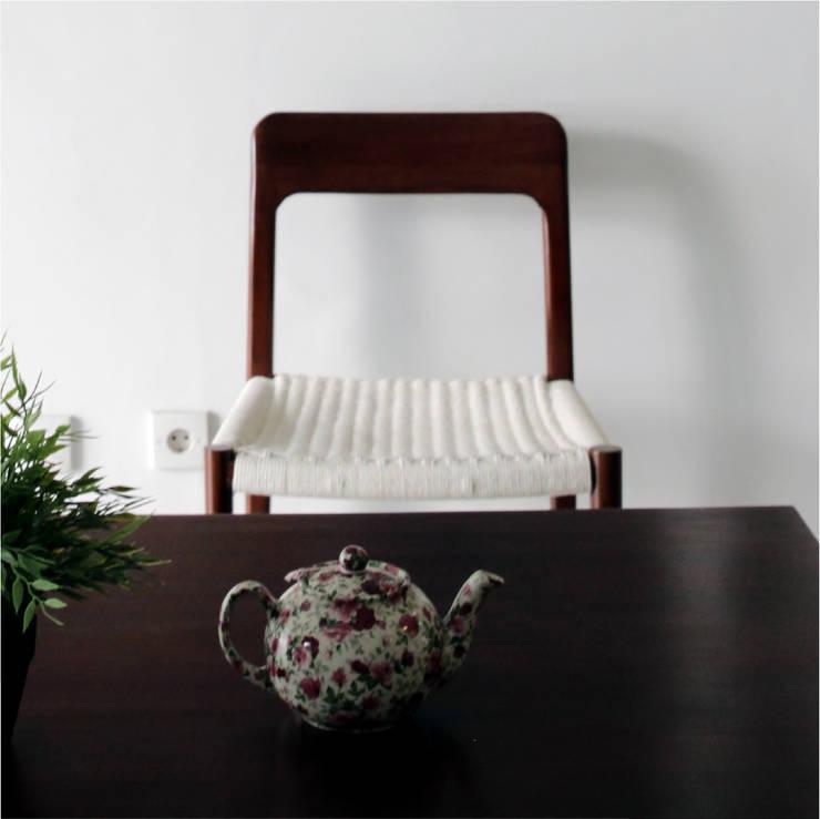 Haba house:  Ruang Makan by Dendy dan darman studio