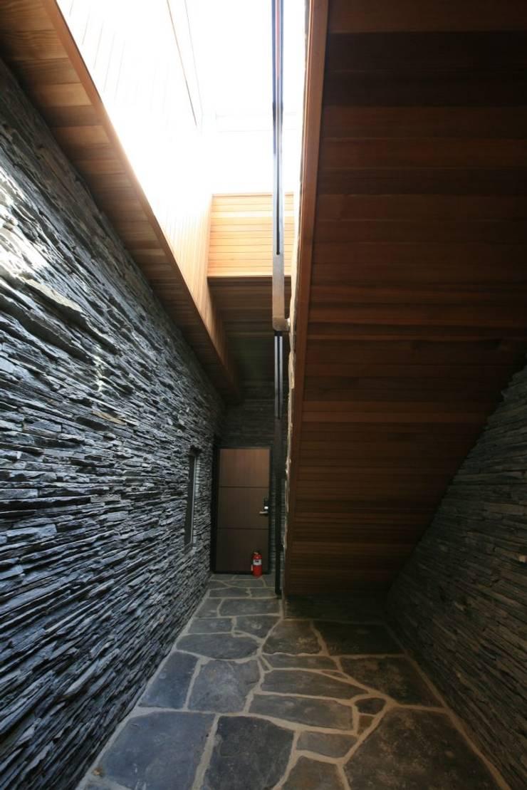 용설리 지하주택 인테리어: 알엠코리아의  주택