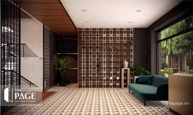 VILLA VŨNG TÀU:  Cửa bên trong by The Page Interior & Design