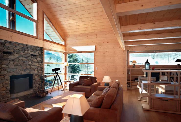 Living room by VillaBio