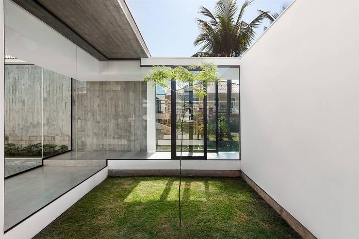 บ้านและที่อยู่อาศัย โดย ArchDesign STUDIO, โมเดิร์น