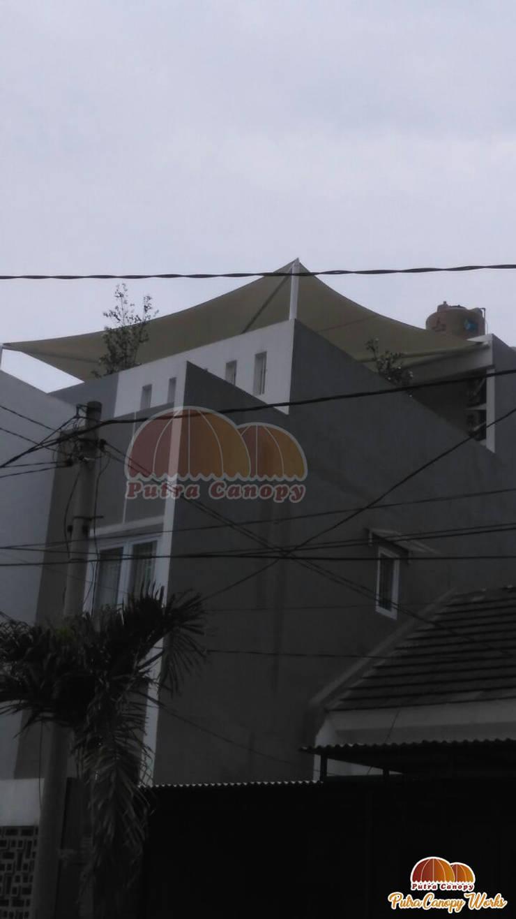 Tenda Membrane Jakarta :  Balconies, verandas & terraces  by Putra Canopy