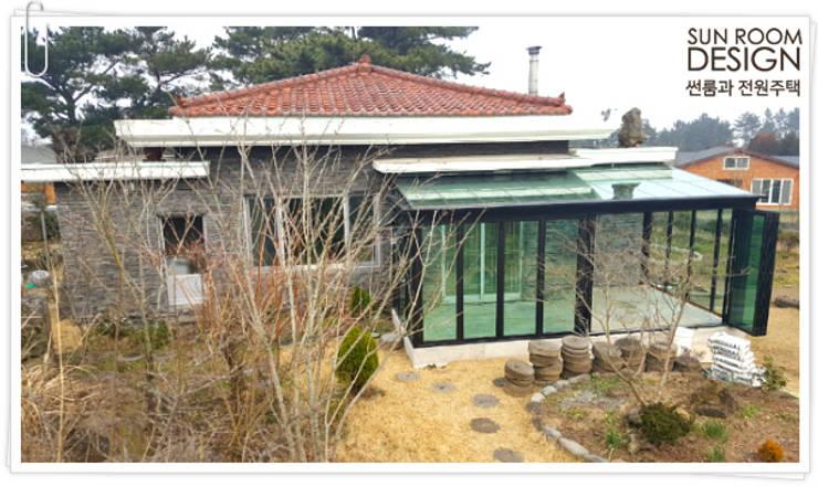 제주 애월 소길리 썬룸시공: 썬룸과전원주택의