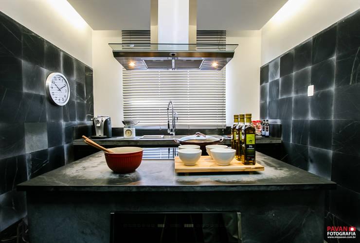 Projeto Decorador | Arquiteto: Armários e bancadas de cozinha  por Pavan Fotografia | Marcus Vinicius Pavan