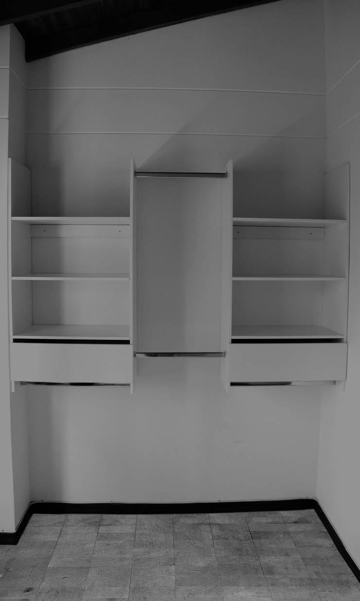 Inicio de Trabajos: Habitaciones de estilo minimalista por TRES52 S.A.S