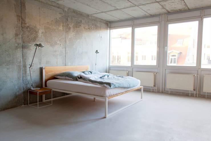 Bett Stahl b18 - design / architektur bett aus stahl und massivholz von n51e12
