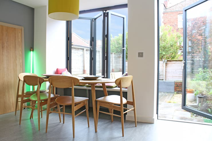 Theatre director's house in Clifton, Bristol:  Dining room by Dittrich Hudson Vasetti Architects, Modern