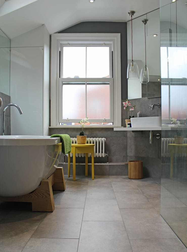 Theatre director's house in Clifton, Bristol:  Bathroom by Dittrich Hudson Vasetti Architects, Modern