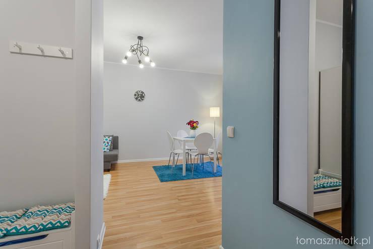 Zdjęcia nieruchomości: styl , w kategorii Korytarz, hol i schody zaprojektowany przez Tomasz Miotk Fotografia