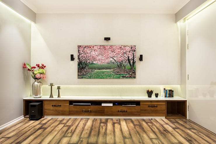 CHATTARPUR FARM HOUSE, NEW DELHI: eclectic Media room by Total Interiors Solutions Pvt. ltd.