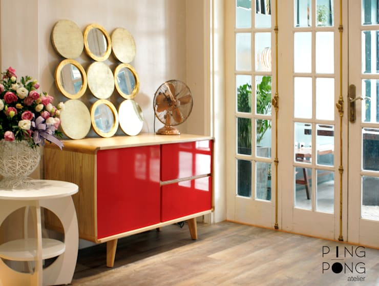 Showroom PingPong:  Corridor, hallway & stairs by PingPong Atelier Furniture