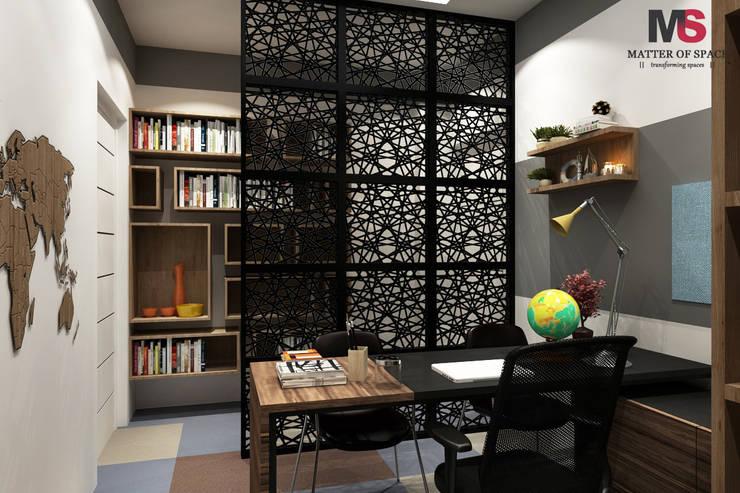 Patel Nagar: modern Study/office by Matter Of Space Pvt. Ltd.