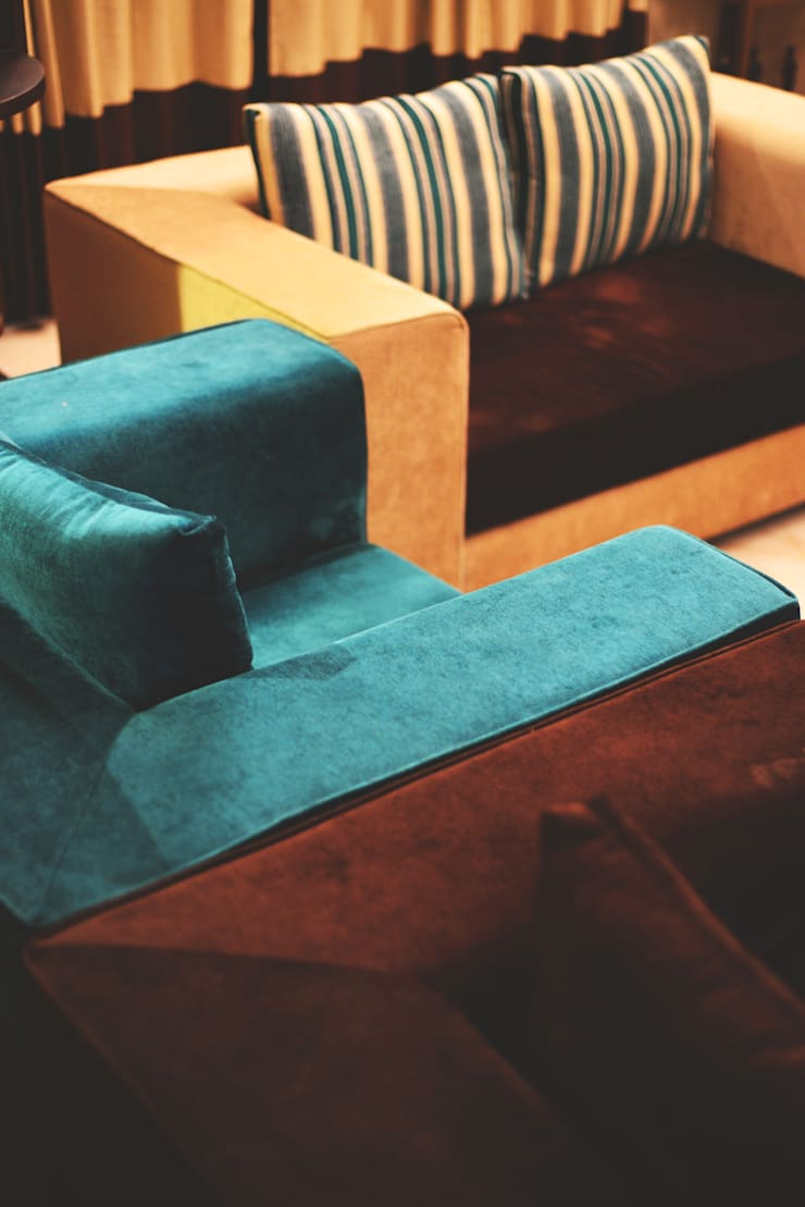 GITANJALI RESIDENCE:  Living room by CARTWHEEL,Modern