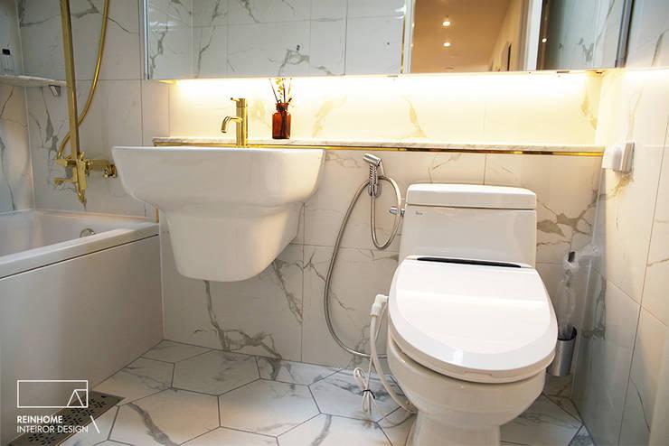 울산시 울주군 로얄듀크 _골드: 리인홈인테리어디자인스튜디오의  욕실