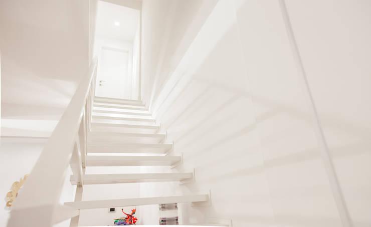 Stairs by Arch. Della Santa Giorgio, Modern
