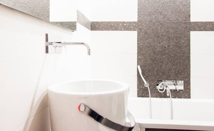 Modern bathroom by Arch. Della Santa Giorgio Modern