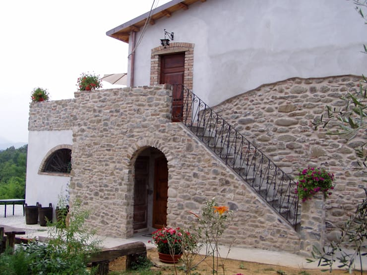 Houses by Arch. Della Santa Giorgio, Country