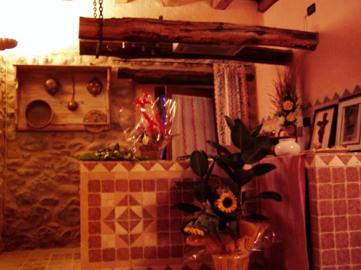 Kitchen by Arch. Della Santa Giorgio, Country