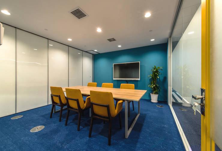 自由之丘/UCIT office:  辦公室&店面 by 舍子美學設計有限公司