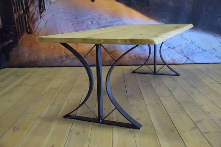 Industriële tafel Vlist:   door Meubelpassie, Industrieel IJzer / Staal
