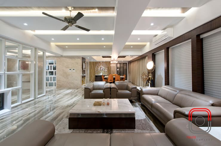Juhu Residence: modern Living room by neale castelino Photography