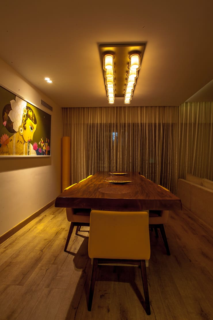 Lissy:  Dining room by Design Dna,Modern