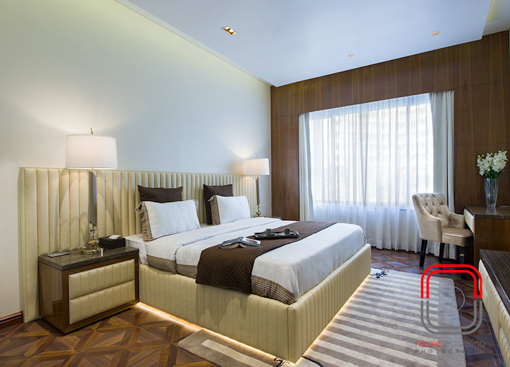 Sample Flat:  Bedroom by neale castelino Photography
