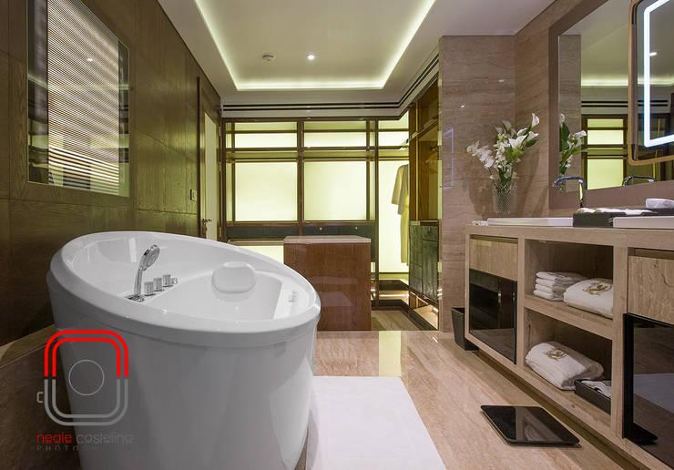 Sample Flat:  Bathroom by neale castelino Photography