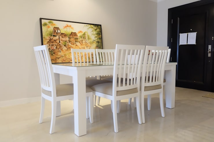 SOMERSET APARTMENT 3BR:  Dining room by FIANO INTERIOR