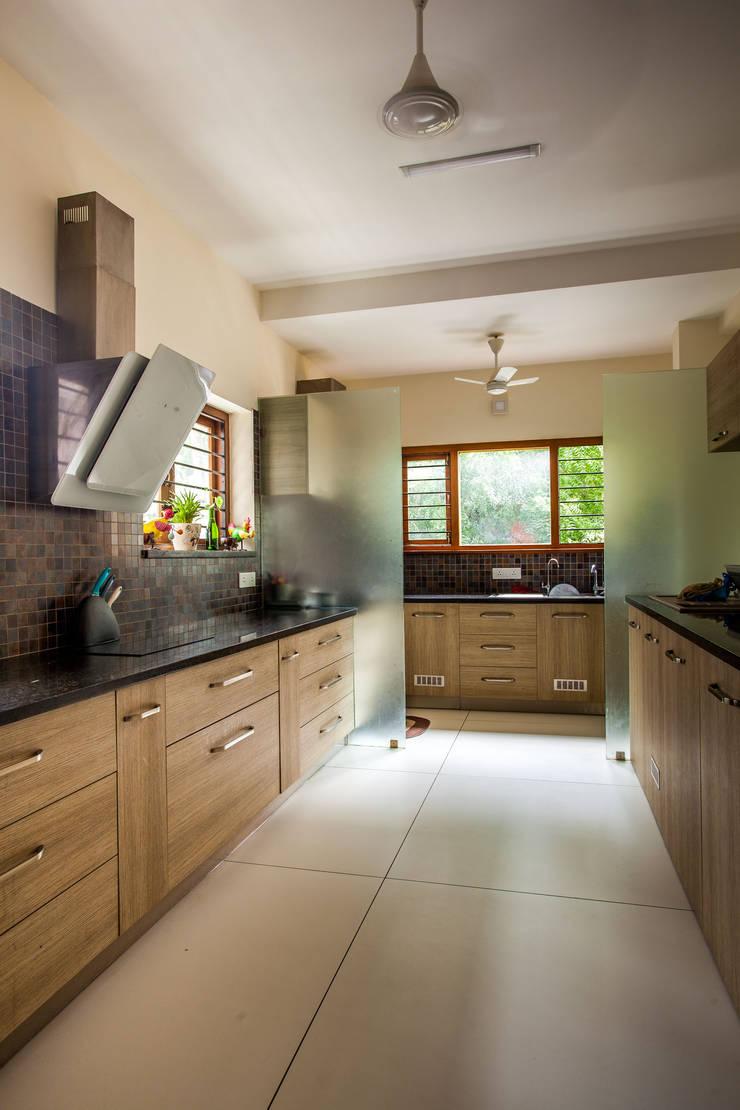 Paven:  Kitchen by Design Dna,Modern