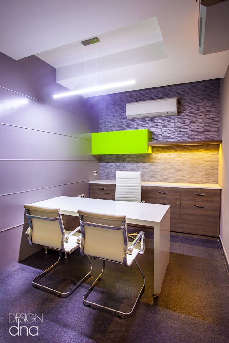 Thirupathy Brother's Director's Office:  Office buildings by Design Dna,Modern