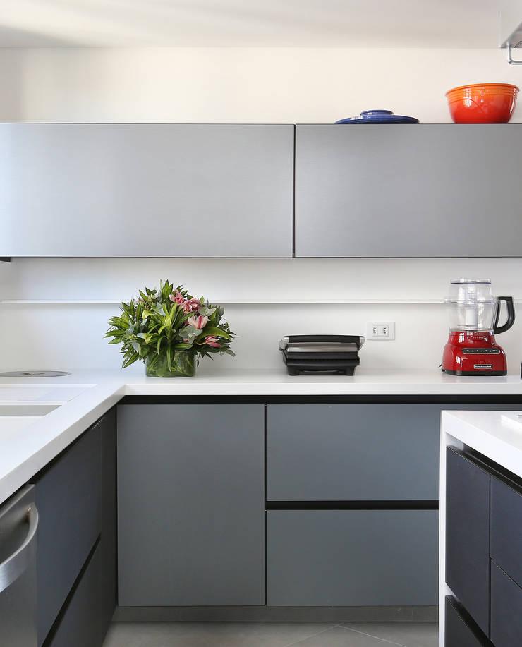 Modern Kitchen by Start Arquitetura Modern