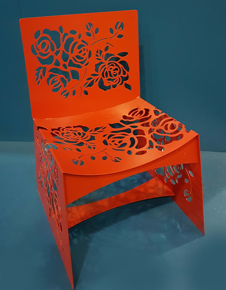Rose Chair:  Living room by Metallica Steel