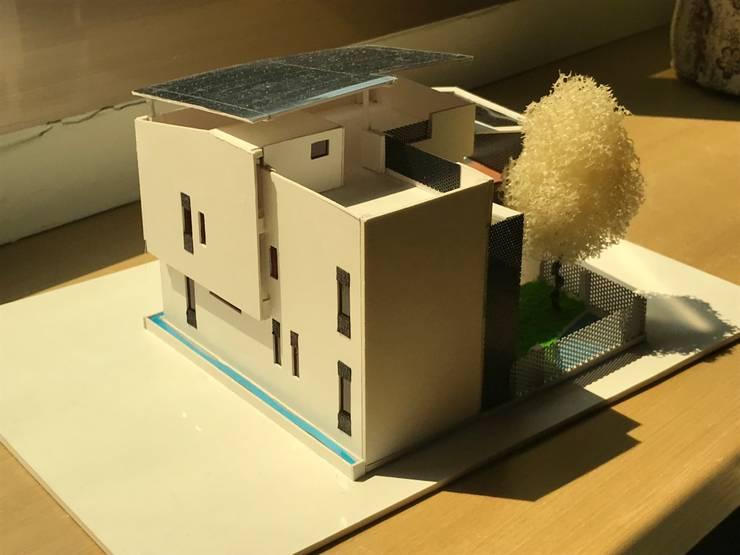 Houses by 劉勇信建築師事務所