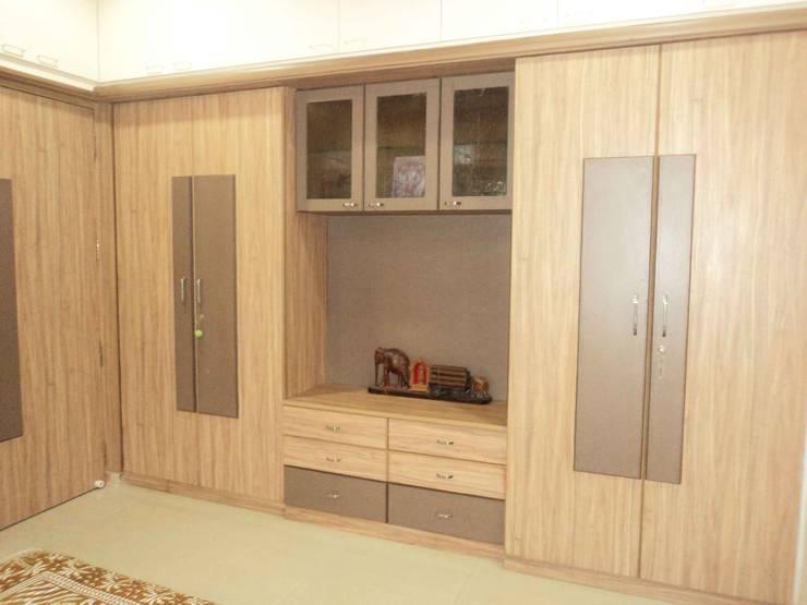 Sathyanarayanan Home Interior Design-5, Bangalore: asian Dressing room by Bhavana Interiors Decorators