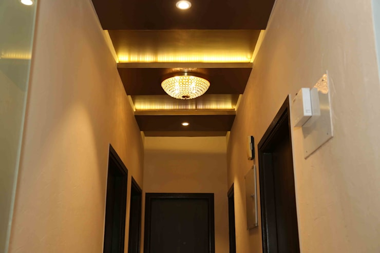 Mr. Tarun Bansal, Deonar:  Corridor & hallway by Aesthetica,Minimalist