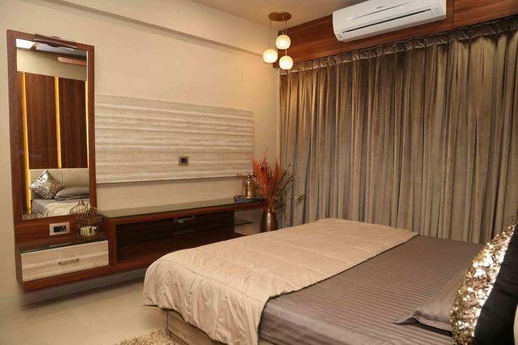 Mr. Tarun Bansal, Deonar:  Bedroom by Aesthetica,Minimalist