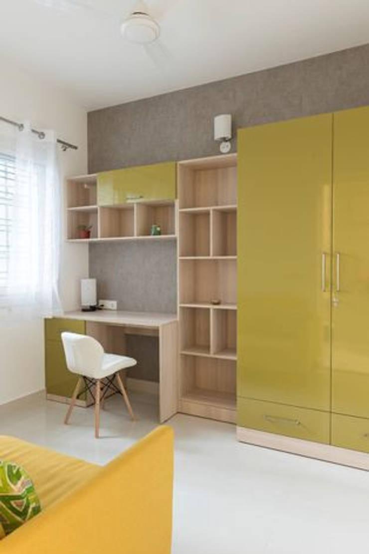 Completed Wardrobe Designs:  Bedroom by HomeLane.com,