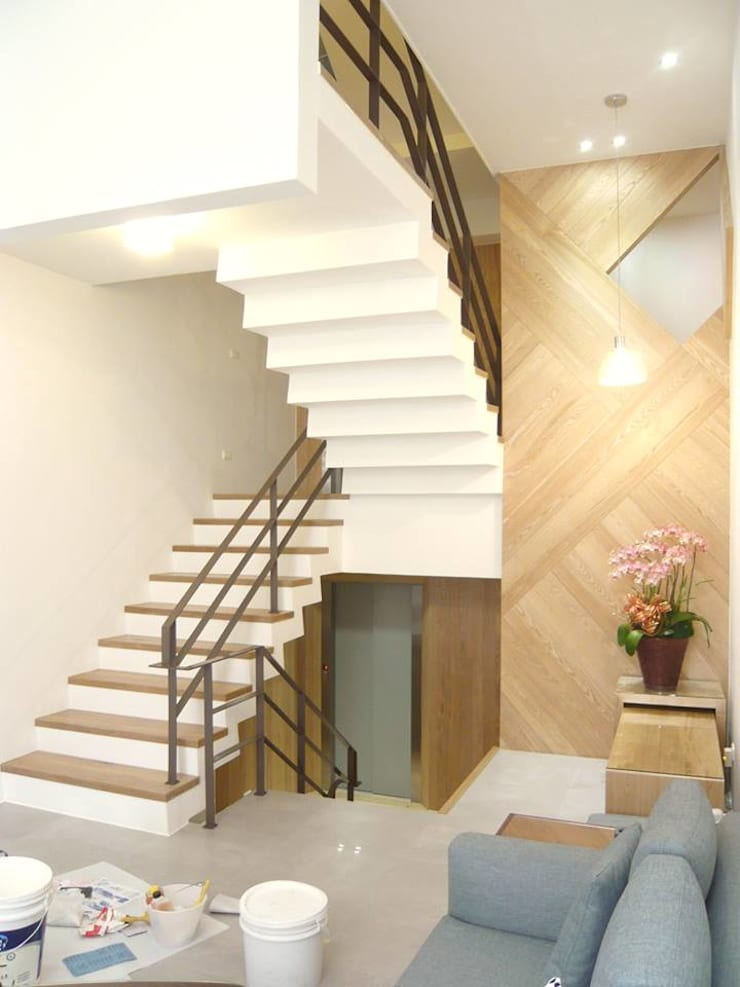 Stairs by 第宅空間設計 ,