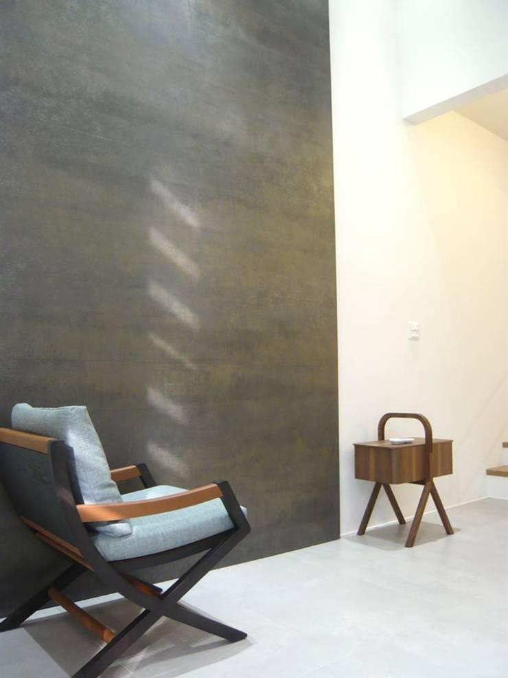 Living room by 第宅空間設計 ,