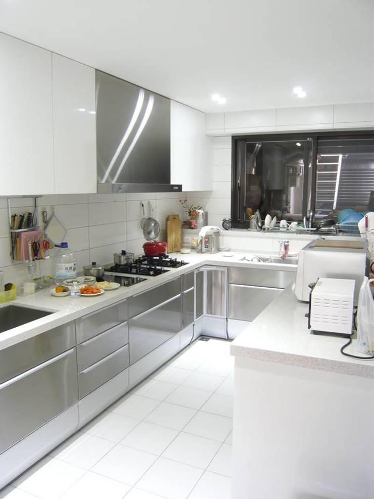 Kitchen by 第宅空間設計 ,