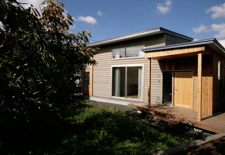 かみのっぽろの家~老後に備えたロフト付の平屋の住まい~: 及川敦子建築設計室/ATSUKO-OIKAWA Architects Studioが手掛けた木造住宅です。